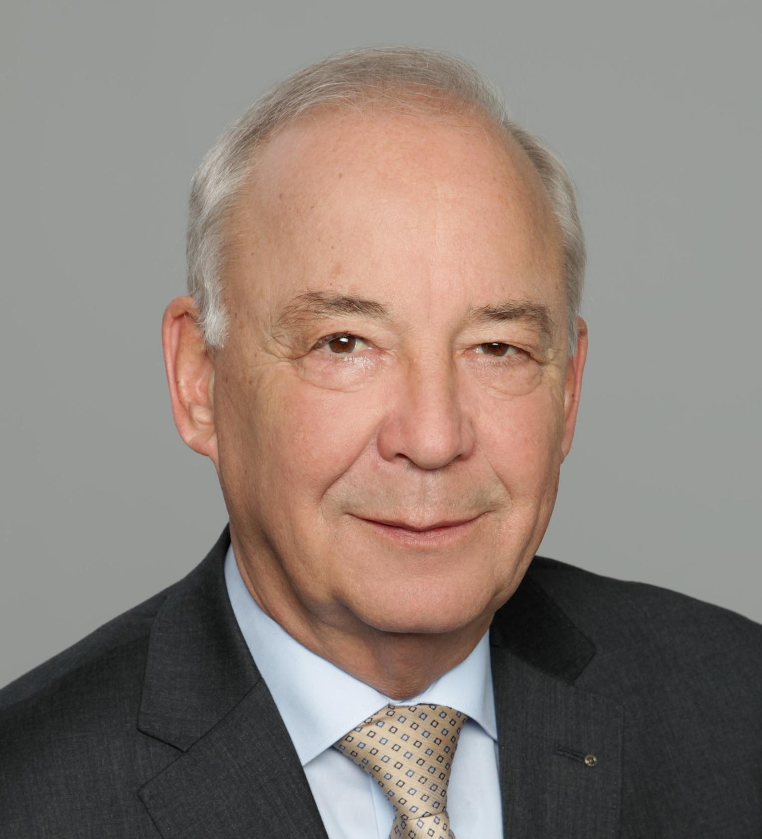 Portrait Generalleutnant a. D. Rainer Glatz