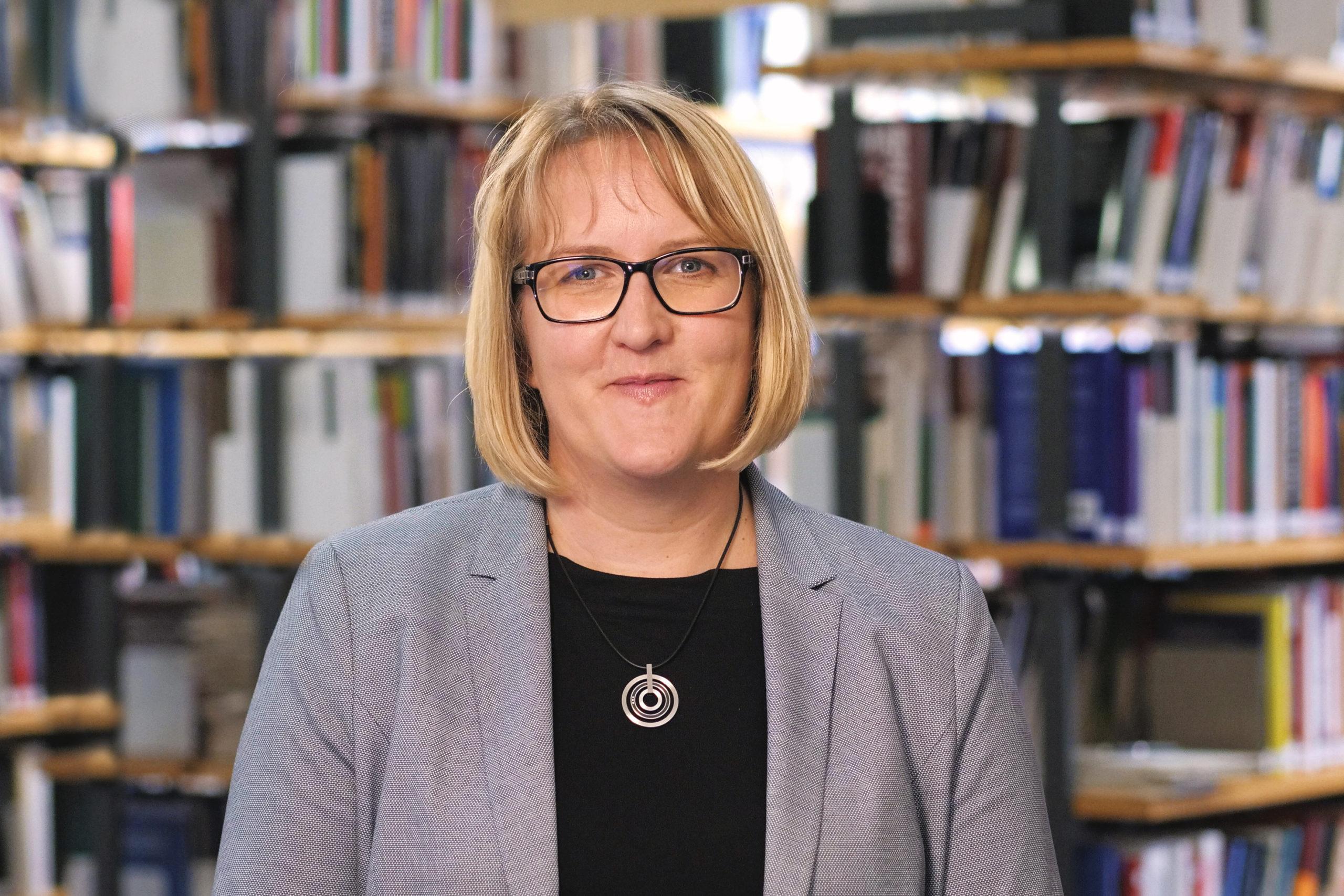 Portrait Dr. Melanie Coni-Zimmer