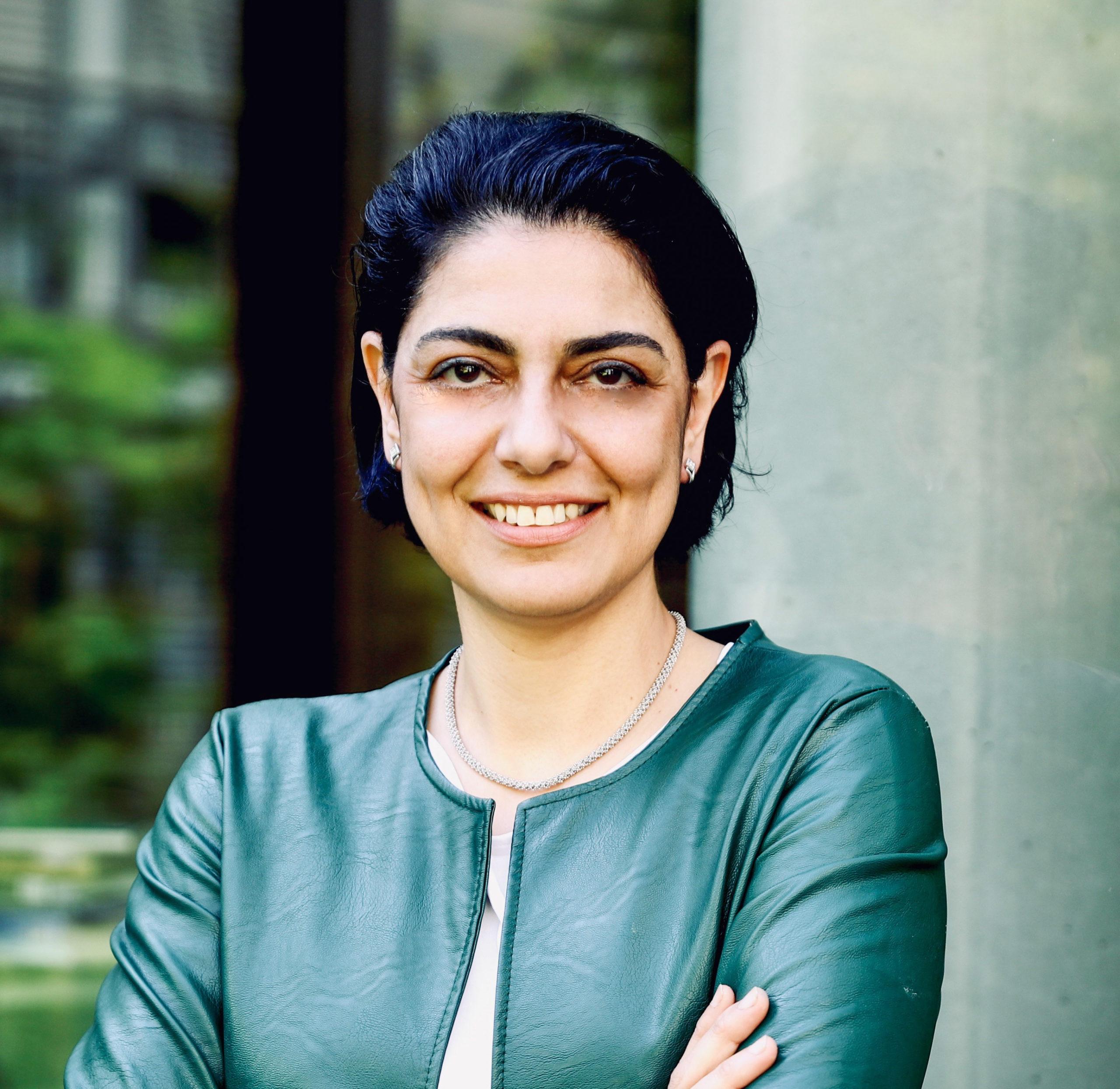 Portrait Dr. Nadjma Yassari